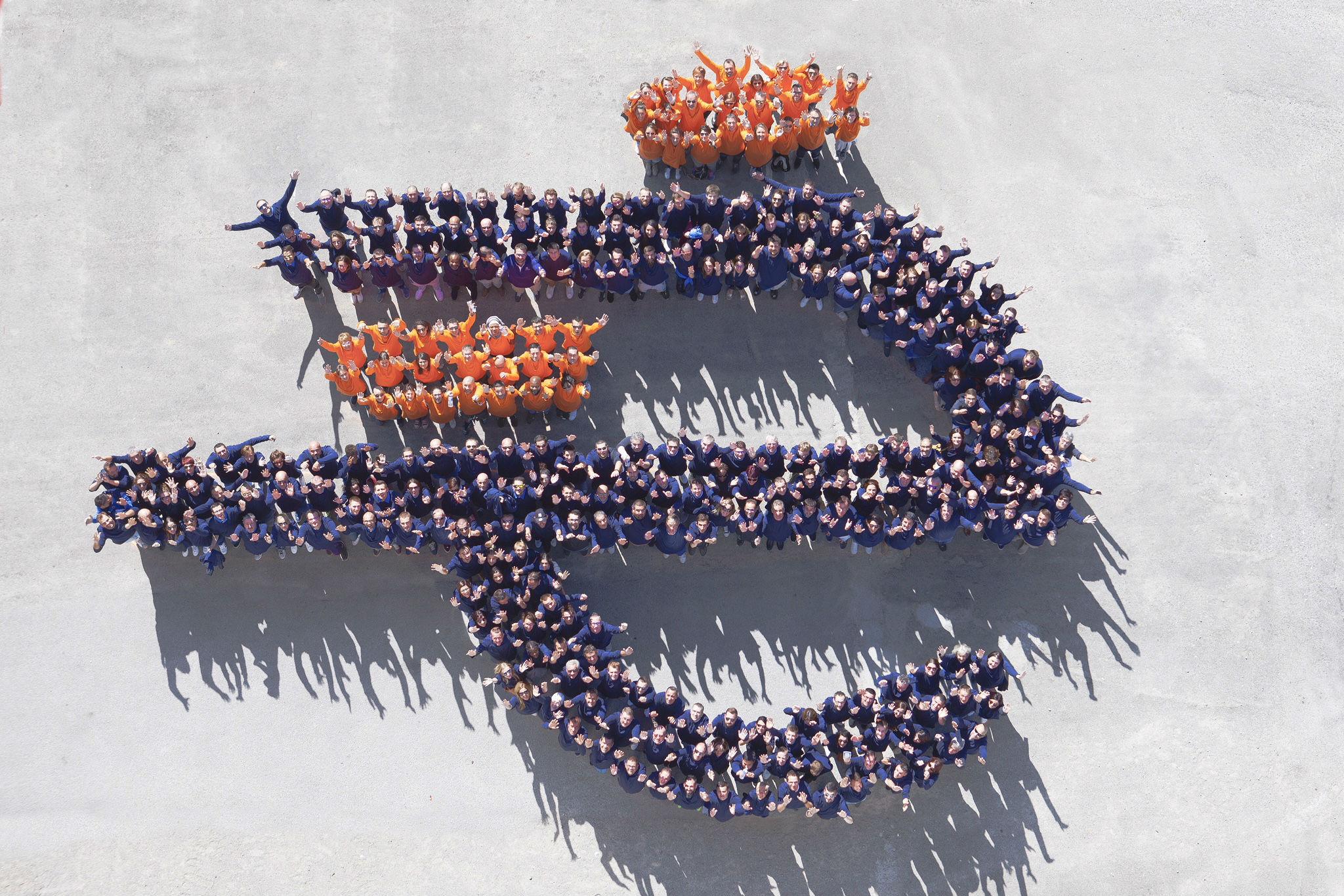 Logo Evolutrans formé par tous les partenaires dont les Transports Coué