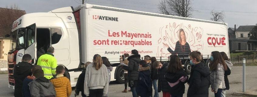 Un de nos conducteurs présente son métier aux élèves de l'école primaire du Bourgneuf-la-forêt